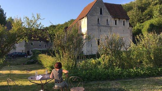 Casse croute le soir au calme en admirant l'ancienne chateau monastère.