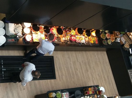 Thon Hotel Cecil: Breakfast buffet