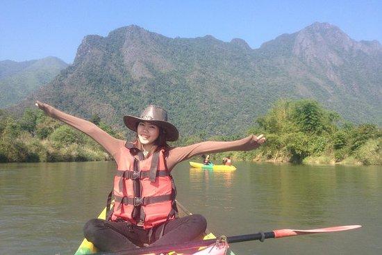1 dag Vang Vieng Cave & Kajakk...