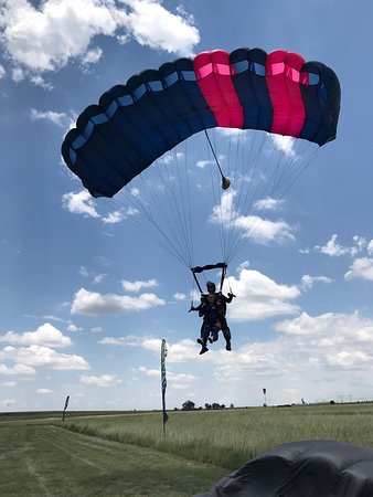 Skydive The Farm is an aspiring skydive center. We are one of the closest skydiving centers to Johannesburg, being only 35 minutes east of the city. Open 7 days a week.