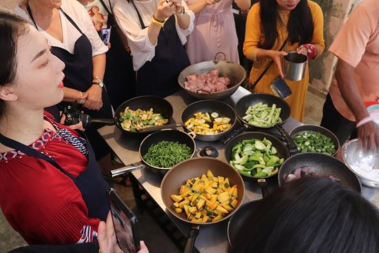 The AUTHENTIC Cooking & Demonstration