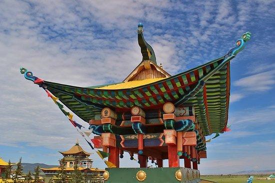 喇嘛在涅。 Ivolginsky Datsan(寺庙)。冥想和萨满仪式