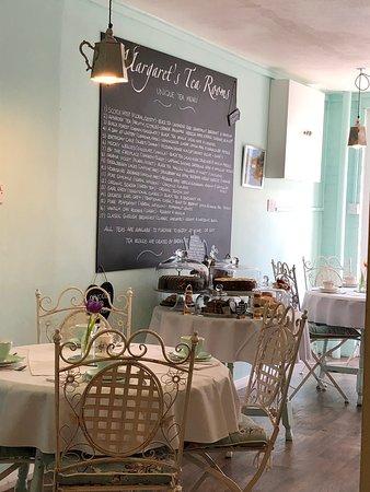 Margaret's Tea Rooms: The tea room
