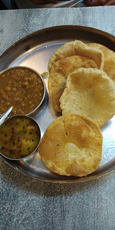 Aloomutter puri and chole bhature