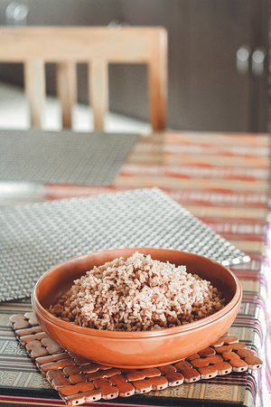Itshum (Bhutanese Red Rice), native to the Kingdom of Bhutan is a unique, medium-grain variety.  It is the staple rice of the Bhutanese people. Bhutanese red rice compliments all the Bhutanese dishes. It is highly recommended for its low calorie benefits and the unique taste.