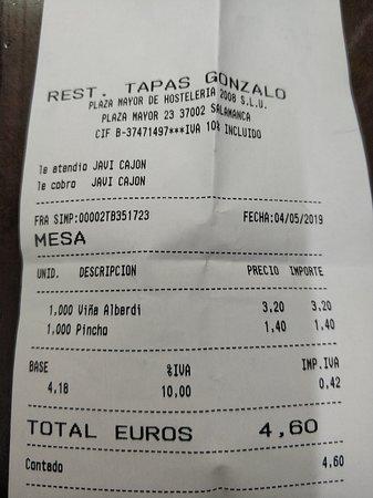 Vino y pincho 4.60€.