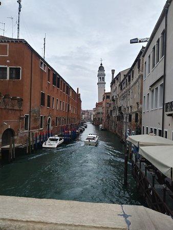 ונציה, איטליה: Venecia es un lugar al que se debe repetir la visita es maravilloso y lleno de historia y sus canales dentro de toda la ciudad