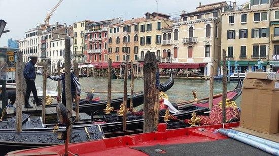 ונציה, איטליה: La góndola es algo que representa a la ciudad de Venecia
