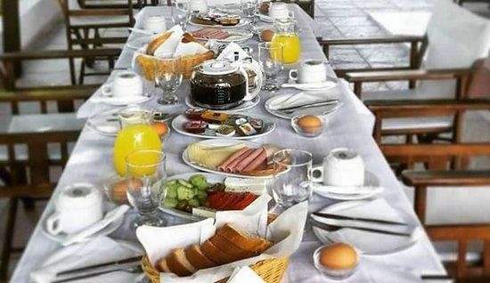 Paralia Vatopediou, Hellas: Breakfast