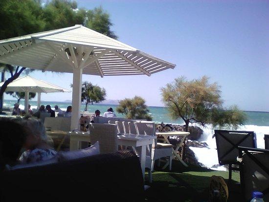 Island Restaurant: Έξω