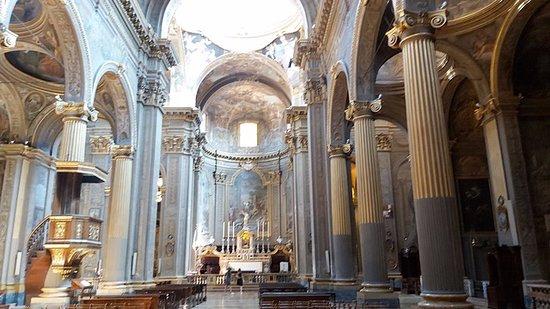 Vista prospettica della chiesa