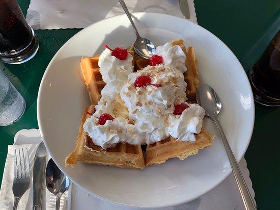 Waffel-Vanille-Eis Dessert