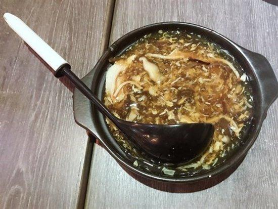 Kaifong Cafe: 素鮑參碗仔翅窩