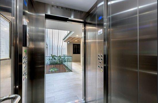 Sorrento, أستراليا: Enjoy exclusive elevator access direct to the Penthouse