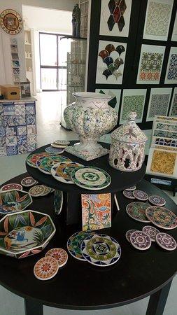 Cascais, Portugal: Peças  em cerâmica,  ceramic items