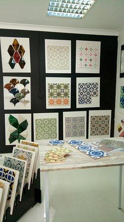 Cascais, Portugal: Azulejos feitos e pintados à  mão,  Handmade and hand painted tiles