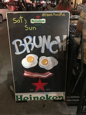 Frank Mac's Pub: Brunch is served  Saturday and Sunday