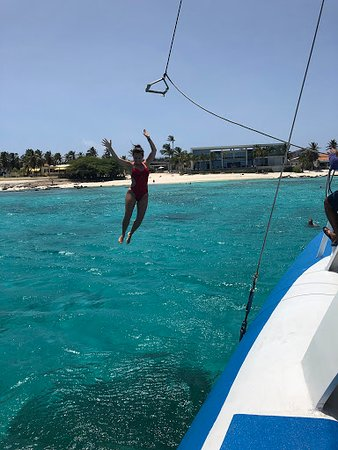Catamaran Cruise in Aruba with Snorkeling Experience and Lunch: Rope Swing