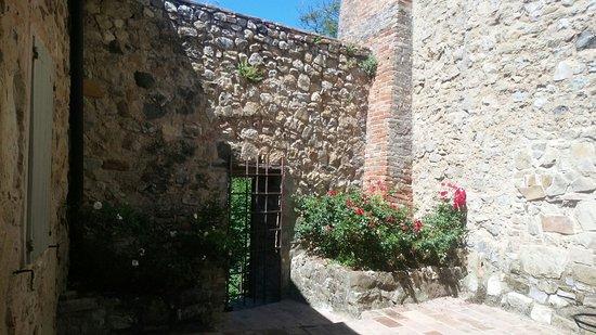 Castello di Rossena 사진
