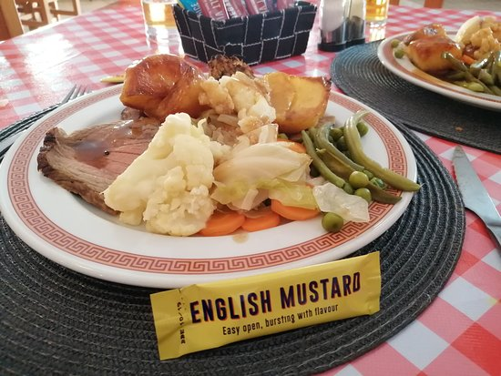 Sunday Roast Dinner Picture Of Lukey S Bar La Romana Tripadvisor