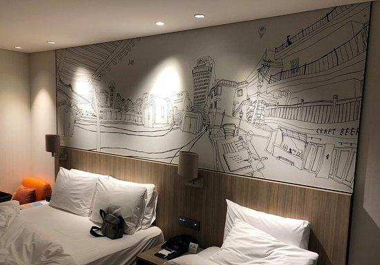房間的壁畫都是獨一無二的!
