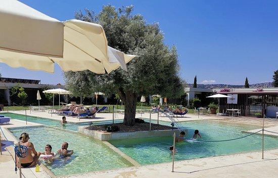 I Monasteri Golf & SPA Resort: Relaxing Pool-Area
