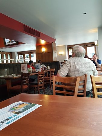 The Gate House: Great Wetherspoon pub