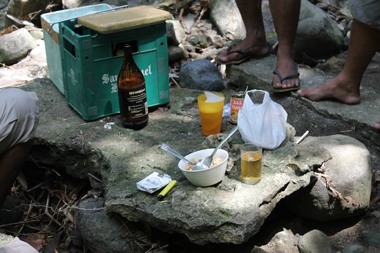 Boac, Filipinler: Bahay-Igat Hang-Out Place For The Drinkers
