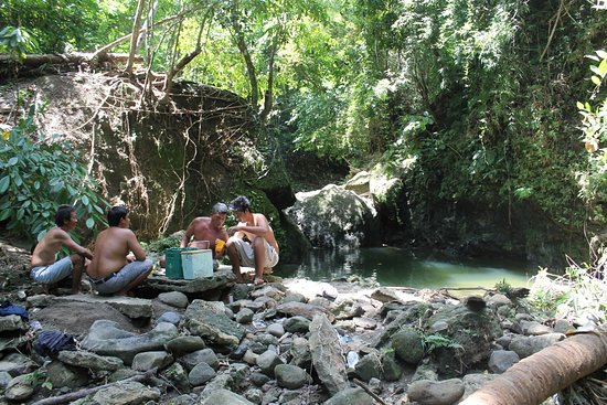 Very cooled place with a spring pool water at sitio Bahay-Igat Brgy. Maybo, Boac, Marinduque. No Entrance Fee...Always Free!
