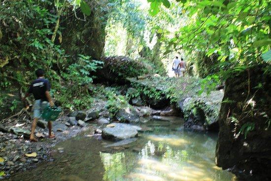 Boac, Filipinler: Bahay-Igat Creek River