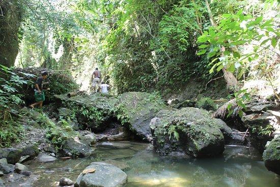 Boac, Filipinler: Natural Spring Water Creek River at Bahay-Igat Fall