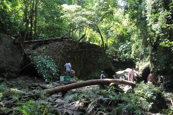 Boac, Filipinler: Bahay-Igat Falls Place