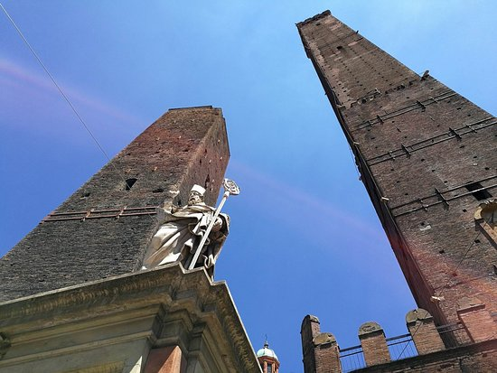 Statua di San Petronio: The statue of the Bishop of Bologna