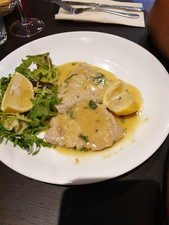 filleted Veal ( beef in mushroom and whitw wine sauce  0