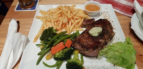 Prebl, Austria: Een heerlijke dikke steak vol van smaak.