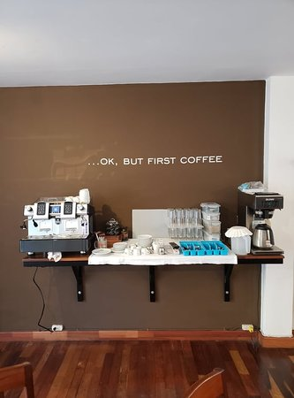 Central Bed & Breakfast: Custom coffee service