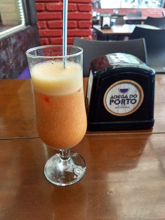 Suco de Morango com Laranja. Uma delícia, vale a pena.