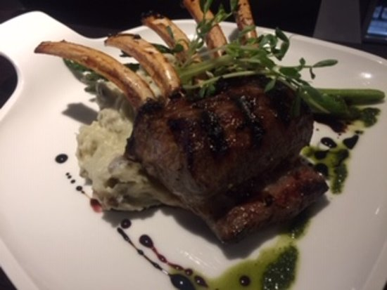 Grilled Minted Lamb with Garlic Mash and Asparagus