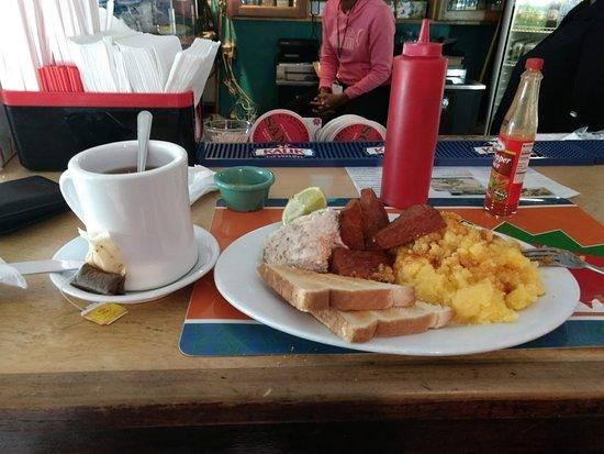 Beverley's Kitchen: Western/ Bahamian/ Jamaican breakfast