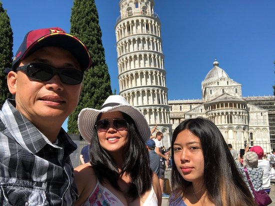 Discovery Tours Limousine Service Day Tours: Pisa
