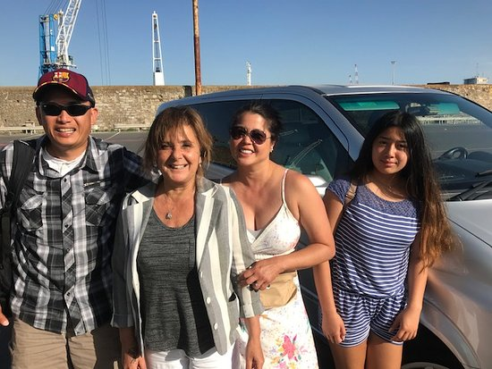 Discovery Tours Limousine Service Day Tours: Livorno Port with Family and Mafalda
