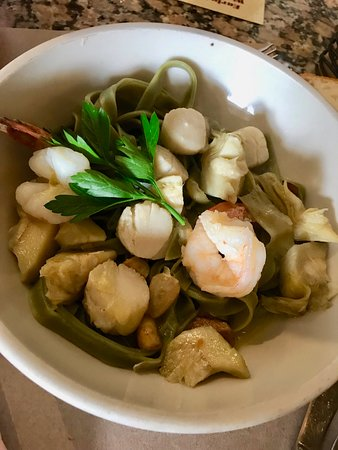 Spinach Fettuccine with Shrimp & Scallops