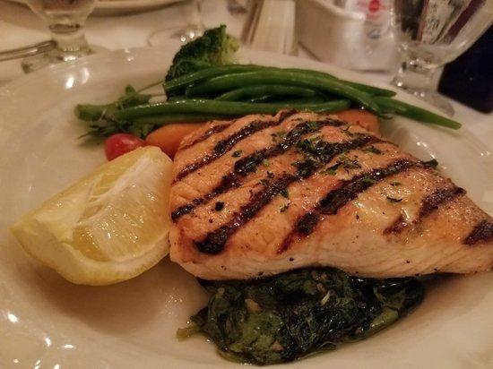 Bardi's Steak House: salmon