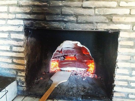 Kaminarata, Griekenland: Traditional way of cooking