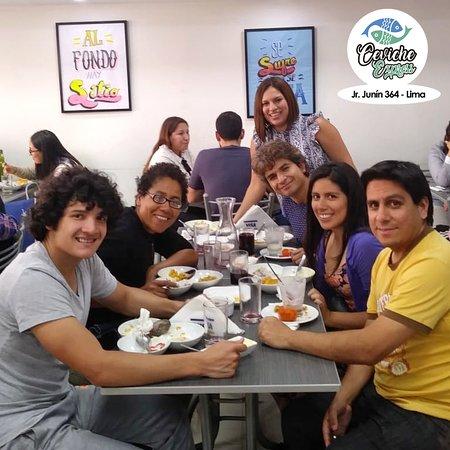 Con la familia, amigos y Ceviche Express la vida es mas sabrosa.