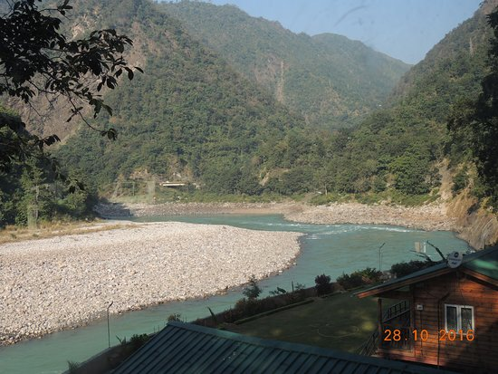 River Ganga flowing through Kaudiyala