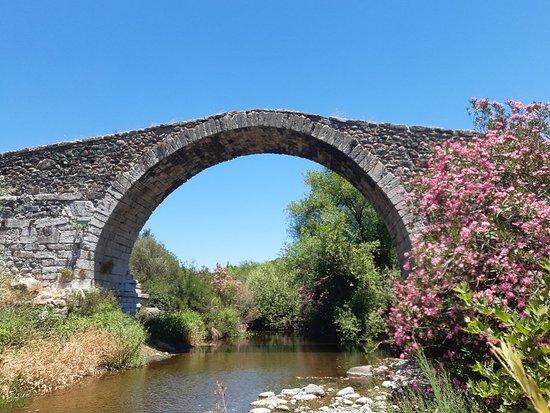 Kremasti Bridge