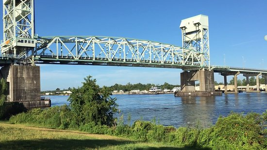 Cape Fear Memorial Bridge 16 minutes drive to the west of Wilmington dentist O2 Dental Group of Wilmington