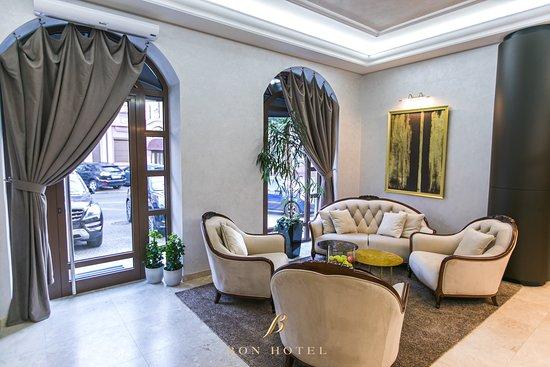 Superior double/twin 302/303 - Bon Hotel, Dnipro 사진 - 트립어드바이저