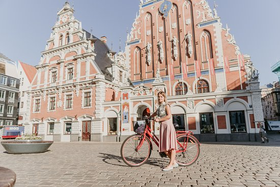 Riga Bicycle: The great view of Ratslaukums. Our office is located nearby.